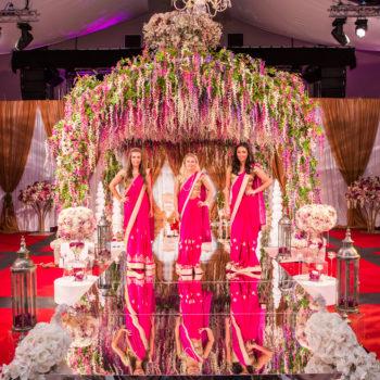 spectacular indian wedding decor